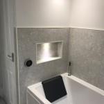 Modern suite incorporating recessed lighting