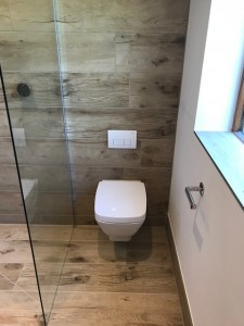 Porcelain wood plank effect wet room