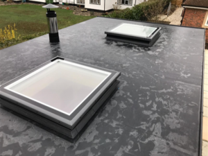 Flat glazed roof lights